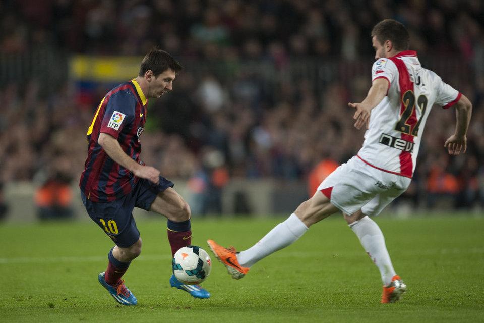 http://img02.mundodeportivo.com/2014/02/15/Partido-de-la-Liga-BBVA-FC-Bar_54401211326_54115221152_960_640.jpg
