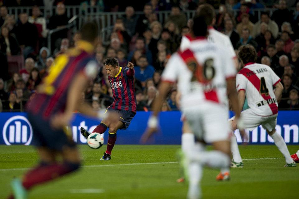 http://img02.mundodeportivo.com/2014/02/15/Partido-de-la-Liga-BBVA-FC-Bar_54401317156_54115221152_960_640.jpg