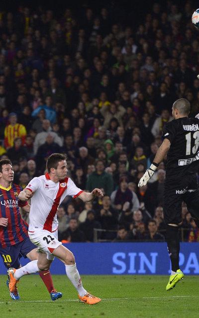 http://img02.mundodeportivo.com/2014/02/15/FC-Barcelona-s-Lionel-Messi-fr_54401212162_54115221157_400_640.jpg