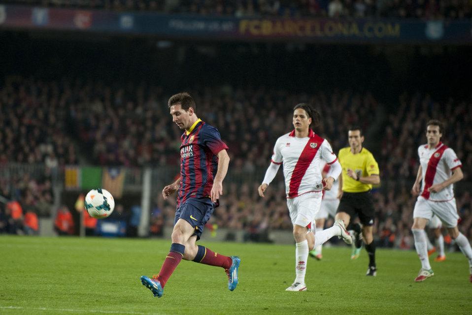 http://img02.mundodeportivo.com/2014/02/15/FC-BARCELONA-RAYO-FOTO-MANEL-M_54401319108_54115221152_960_640.jpg
