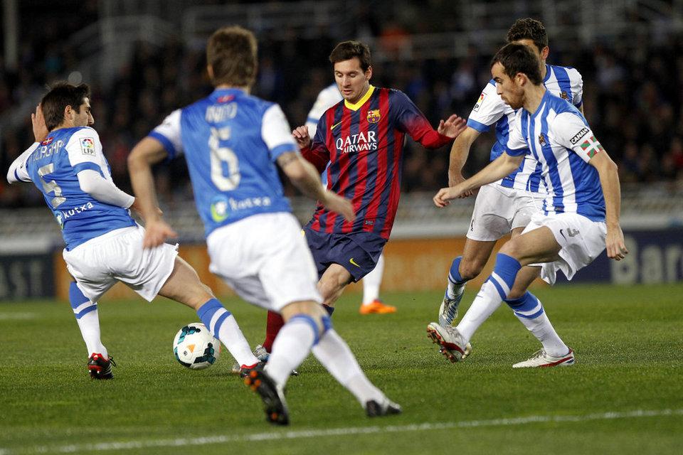 http://img02.mundodeportivo.com/2014/02/22/Real-Sociedad-FCBarcelona-Foto_54402469456_54115221152_960_640.jpg