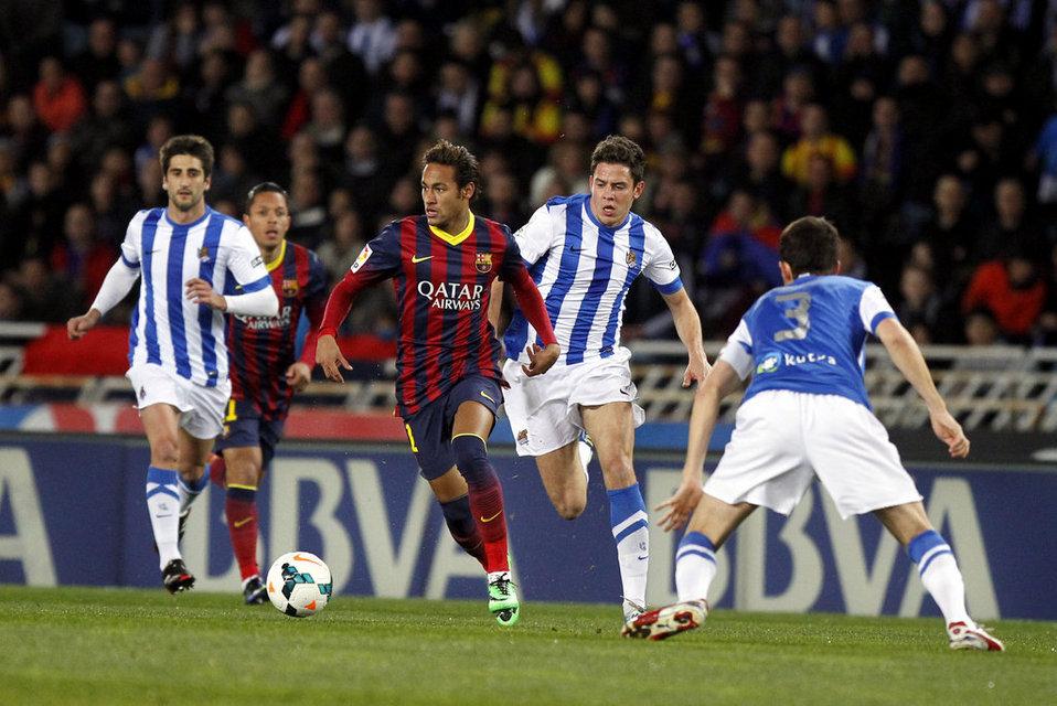 http://img02.mundodeportivo.com/2014/02/22/Real-Sociedad-FCBarcelona-Foto_54402469466_54115221152_960_640.jpg