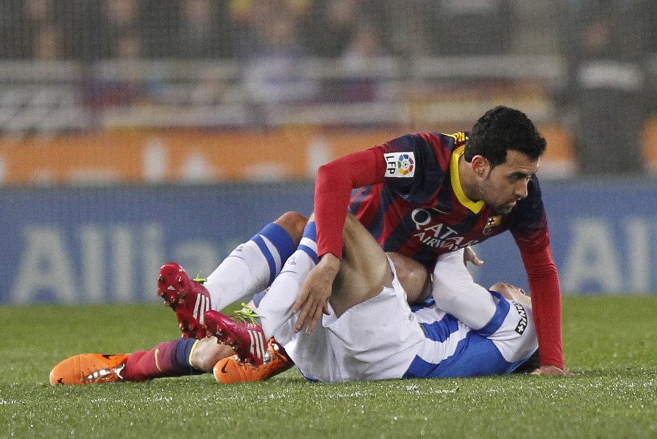 http://img02.mundodeportivo.com/2014/02/22/Real-Sociedad-FCBarcelona-Foto_54402472234_54115221152_960_640.jpg