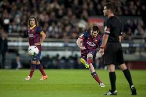 http://img02.mundodeportivo.com/2014/03/02/Partido-de-Liga-FCB-Almeria-Fo_54401934909_54115221152_960_640.jpg
