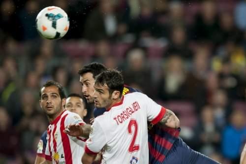 http://img02.mundodeportivo.com/2014/03/02/Partido-de-Liga-FCB-Almeria-Fo_54401935609_54115221152_960_640.jpg