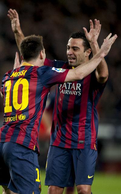 http://img02.mundodeportivo.com/2014/03/02/Partido-de-Liga-FCB-Almeria-Fo_54401935624_54115221157_400_640.jpg