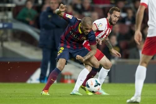 http://img02.mundodeportivo.com/2014/03/02/Partido-de-Liga-FCB-Almeria-Fo_54401934707_54115221152_960_640.jpg
