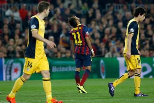 http://img02.mundodeportivo.com/2014/04/01/Barcelona-s-Neymar-center-reac_54404631003_54115221152_960_640.jpg