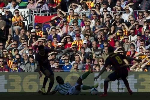 http://img02.mundodeportivo.com/2014/04/05/lliga-FC-Barcelona-Real-Betis-_54404752715_54115221152_960_640.jpg