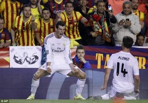 Рев восторга: Гарет Бэйл празднует забив конце победителем для Реала в финале Копа дель Рей