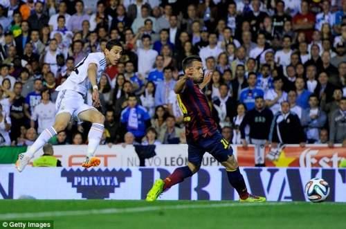 Нет остановки: Ди Мария забивает первый гол после 10 минут, как Хорди Альба не в состоянии перехватить