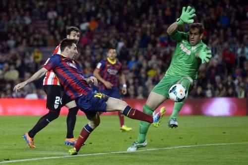 http://img02.mundodeportivo.com/2014/04/20/FC-Barcelona-s-Lionel-Messi-fr_54405161303_54115221152_960_640.jpg