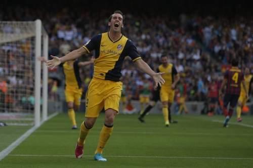 http://img02.mundodeportivo.com/2014/05/17/Atletico-s-Diego-Godin-from-Ur_54407020493_54115221152_960_640.jpg