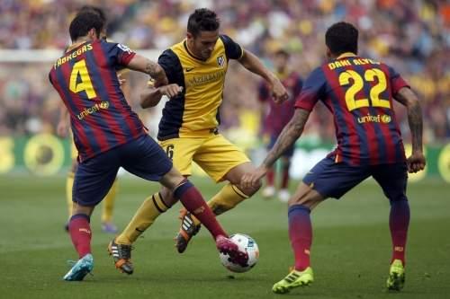 http://img02.mundodeportivo.com/2014/05/17/Barcelona-s-Cesc-Fabregas-left_54407019611_54115221152_960_640.jpg