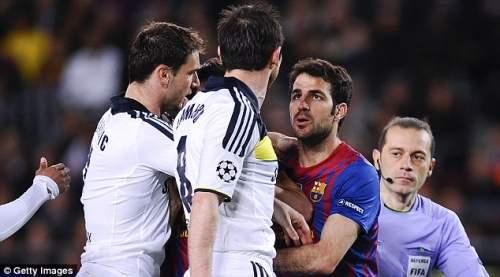 Вражда: Фабрегас (справа) было несколько стычек с игроками Челси в прошлом