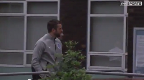 Bo973eCCcAEgUhl Rickie Lambert takes leave from England training to undergo medical at Liverpool [Video]