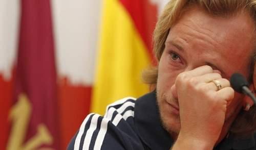 Ракитич плачет во время его прощания с Севилья в понедельник. РАМОН НАВАРРО