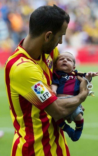 http://img02.mundodeportivo.com/2014/09/13/Barcelona-Athletic-lliga-foto-_54414994327_54115221157_400_640.jpg