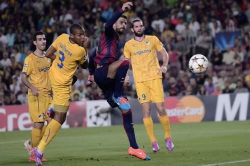 http://img02.mundodeportivo.com/2014/09/17/Barcelona-s-Gerard-Pique-centr_54415140814_54115221152_960_640.jpg