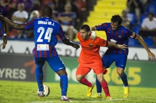 http://img02.mundodeportivo.com/2014/09/21/Partido-Levante-FCB-Jornada-4-_54415281556_54115221152_960_640.jpg