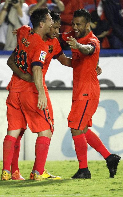 http://img02.mundodeportivo.com/2014/09/21/Barcelona-s-Neymar-from-Brazil_54415280531_54115221157_400_640.jpg