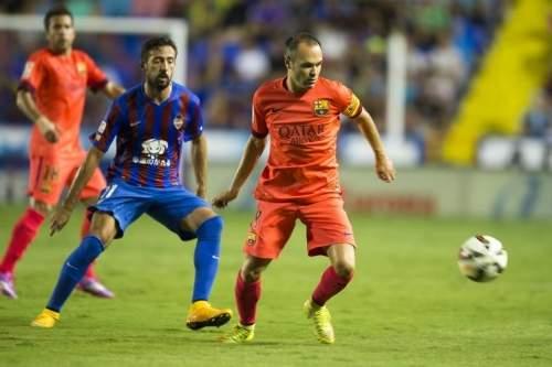 http://img02.mundodeportivo.com/2014/09/21/Partido-Levante-FCB-Jornada-4-_54415280541_54115221152_960_640.jpg