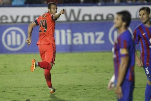 http://img02.mundodeportivo.com/2014/09/21/Barcelona-s-Sandro-celebrates-_54415281016_54115221152_960_640.jpg