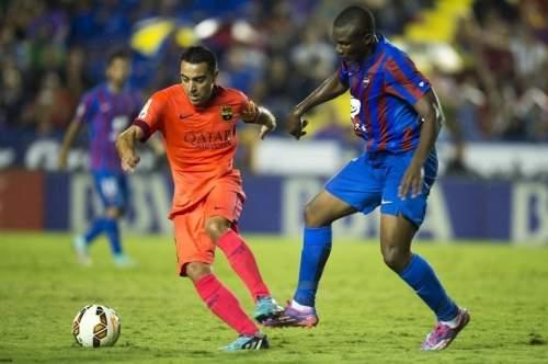 http://img02.mundodeportivo.com/2014/09/21/Partido-Levante-FCB-Jornada-4-_54415281561_54115221152_960_640.jpg