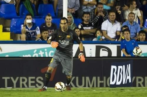 http://img02.mundodeportivo.com/2014/09/21/Partido-Levante-FCB-Jornada-4-_54415281566_54115221152_960_640.jpg