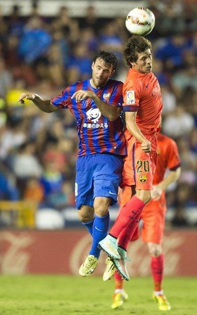 http://img02.mundodeportivo.com/2014/09/21/Partido-Levante-FCB-Jornada-4-_54415281571_54115221157_400_640.jpg