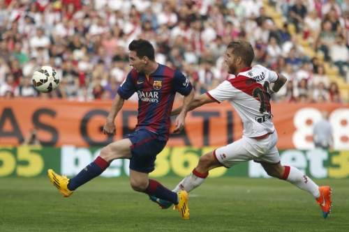 http://img02.mundodeportivo.com/2014/10/04/Barcelona-s-Lionel-Messi-left-_54416631465_54115221152_960_640.jpg