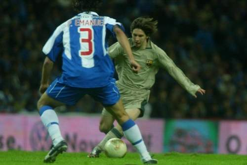 http://img01.mundodeportivo.com/2013/02/07/Messi-debuto-ante-Mou-El-16-de_54365169179_54115221152_960_640.jpg