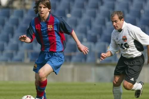 http://img02.mundodeportivo.com/2013/11/15/Partido-amistoso-del-Barca-con_54394143886_54115221152_960_640.jpg