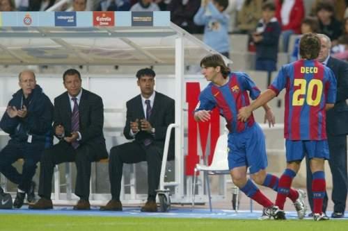 http://img02.mundodeportivo.com/2013/09/18/2004-El-debut-oficial-de-Messi_54386733295_54115221152_960_640.jpg