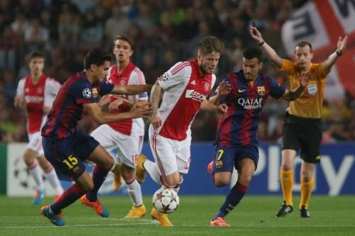 http://img02.mundodeportivo.com/2014/10/21/Champions-FC-Barcelona-Ajax-Fo_54417376583_54115221152_960_640.jpg