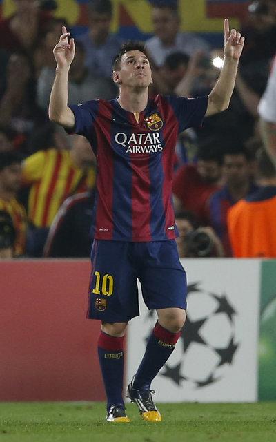 http://img02.mundodeportivo.com/2014/10/21/Barcelona-s-Lionel-Messi-celeb_54418145385_54115221157_400_640.jpg