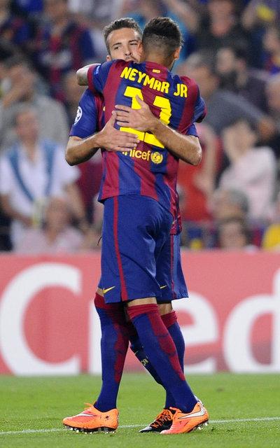 http://img02.mundodeportivo.com/2014/10/21/Barcelona-s-Neymar-front-is-hu_54418145251_54115221157_400_640.jpg