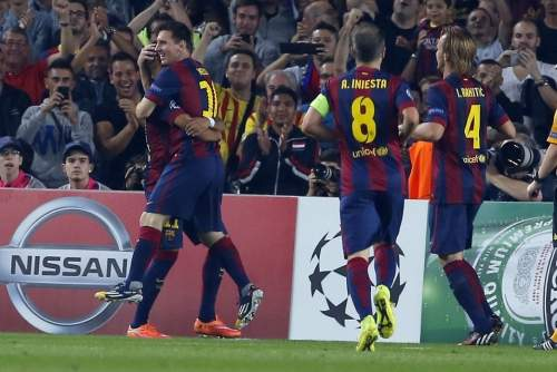 http://img02.mundodeportivo.com/2014/10/21/Barcelona-s-Neymar-left-is-con_54418145258_54115221152_960_640.jpg
