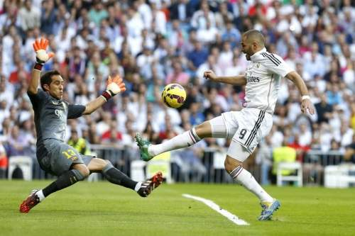 http://img02.mundodeportivo.com/2014/10/25/El-delantero-frances-del-Real-_54417536702_54115221152_960_640.jpg