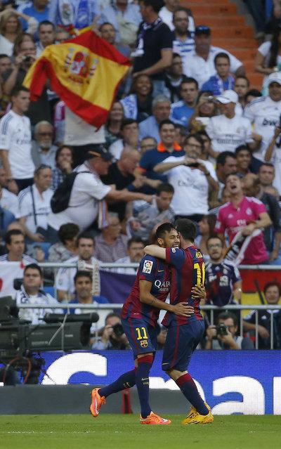 http://img02.mundodeportivo.com/2014/10/25/Barcelona-s-Neymar-left-celebr_54417537214_54115221157_400_640.jpg