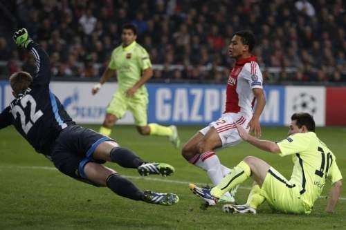 http://img02.mundodeportivo.com/2014/11/05/Barcelona-s-Lionel-Messi-score_54418975877_54115221152_960_640.jpg