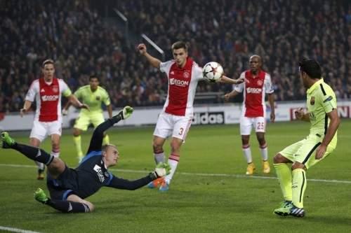 http://img02.mundodeportivo.com/2014/11/05/Ajax-s-goalkeeper-Jasper-Cille_54418974268_54115221152_960_640.jpg
