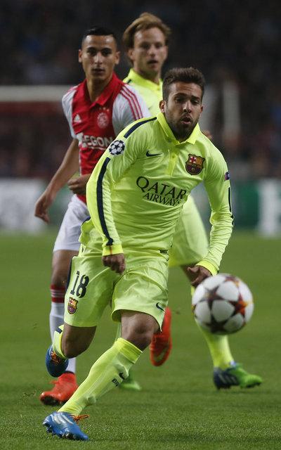 http://img02.mundodeportivo.com/2014/11/05/Ajax-FC-Barcelona-Foto-PEP-MOR_54418974160_54115221157_400_640.jpg