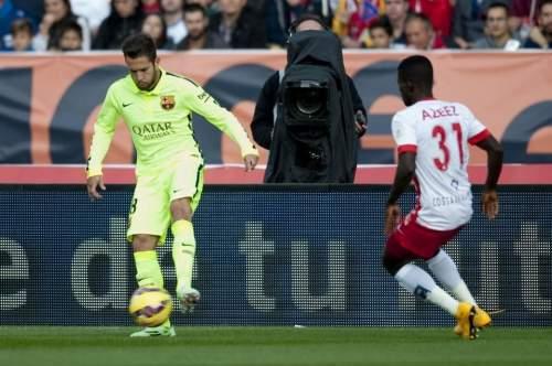 http://img02.mundodeportivo.com/2014/11/08/Partido-de-liga-Almeria-F-Bare_54419074262_54115221152_960_640.jpg