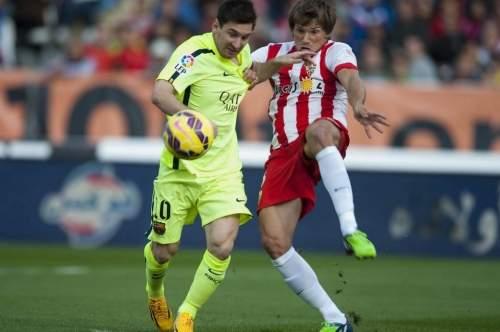 http://img02.mundodeportivo.com/2014/11/08/Partido-de-liga-Almeria-F-Bare_54419074272_54115221152_960_640.jpg