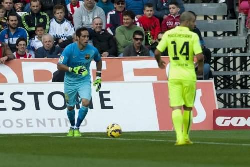 http://img02.mundodeportivo.com/2014/11/08/Partido-de-liga-Almeria-F-Bare_54419688652_54115221152_960_640.jpg
