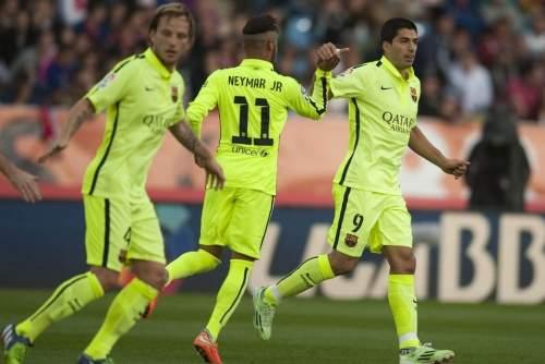 http://img02.mundodeportivo.com/2014/11/08/Partido-de-liga-Almeria-F-Bare_54419075842_54115221152_960_640.jpg