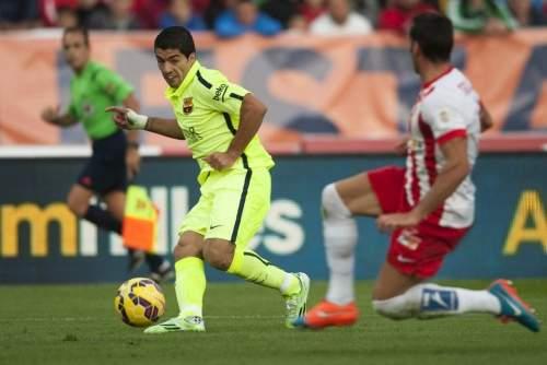 http://img02.mundodeportivo.com/2014/11/08/Partido-de-liga-Almeria-F-Bare_54419690029_54115221152_960_640.jpg