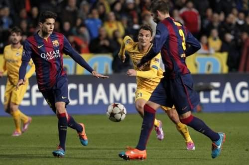 http://img02.mundodeportivo.com/2014/11/25/Barcelona-s-Gerard-Pique-and-S_54420726505_54115221152_960_640.jpg