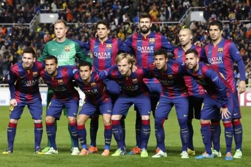 http://img02.mundodeportivo.com/2014/11/25/Barcelona-players-pose-for-a-p_54420237633_54115221152_960_640.jpg